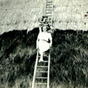 Ernst-Wilhelm Peter's memories of East Hatley - thatched stacks, 1949.