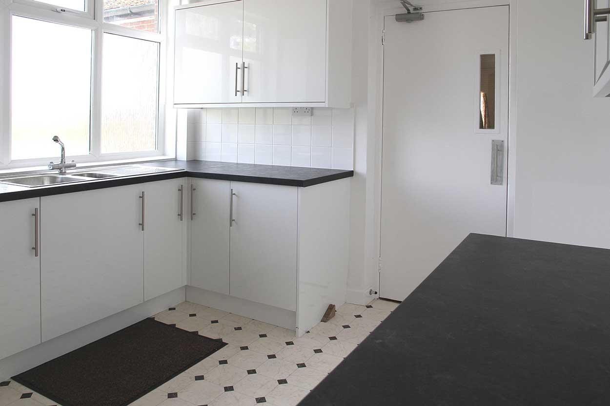 Hatley Village Hall has a new kitchen - Hatley
